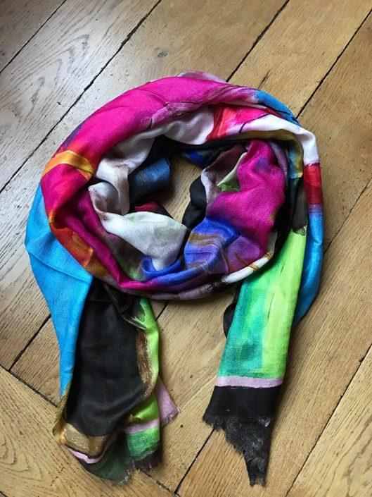 Foulard en soie, laine et cachemire, toile imprimée de l'artiste Caroline Faindt